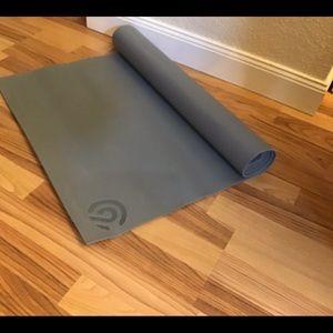 C9 yoga mat